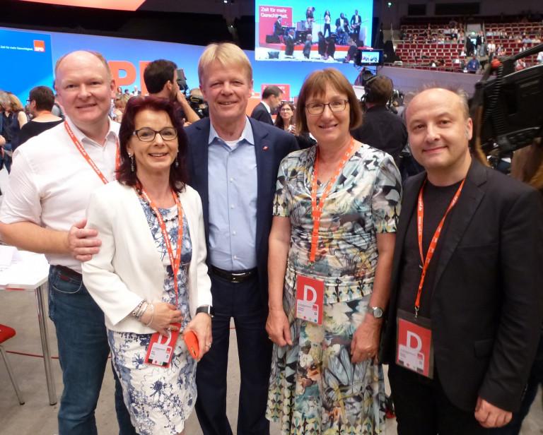 SPD-Delegierte beim SPD-Parteitag in DORTMUND